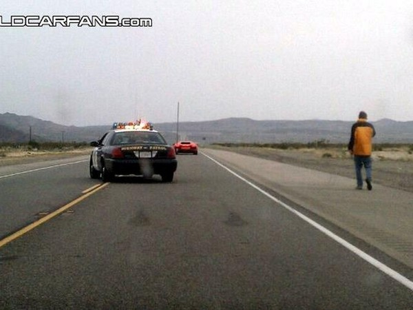 La Lamborghini Aventador, en tournage dans le désert californien