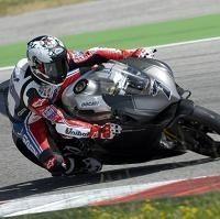 Superbike - Ducati: Le 1199 Panigale et Carlos Checa ont fait connaissance