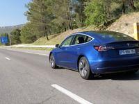 Tesla Model 3: peut-on traverser la France d'une traite sur autoroute? (reportage vidéo)