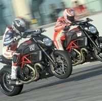 Moto GP - Superbike: Le week-end Ducati avec Audi, Rossi, Bayliss et le Diavel