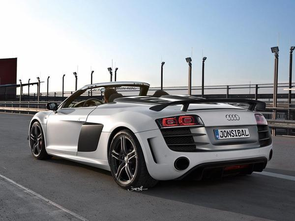 Et pourquoi pas une Audi R8 GT Spyder ?