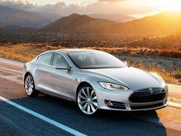 Tesla déjà dans la tourmente après la plainte d'un client pour une accélération involontaire