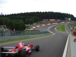 Vous pensiez qu'une F1 était rapide ? Regardez ceci.