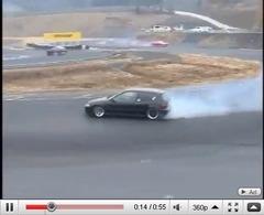 Réveil Auto - Oui, une Honda Civic peut drifter de façon surprenante