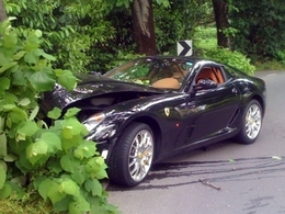 Crash : une Ferrari 599 Fiorano termine dans un arbre en Slovénie