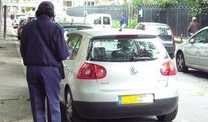 Stationnement payant et verbalisation à Paris: ça grogne!