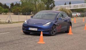 La Tesla Model 3 très à l'aise au test de l'évitement