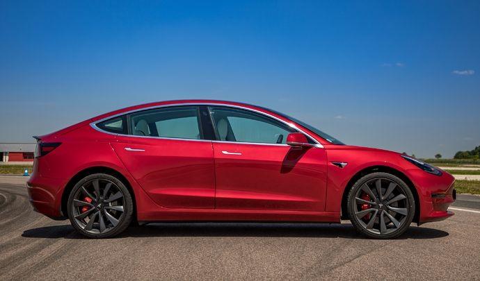 Tesla Model 3: prix en forte baisse et bonusde 7000€