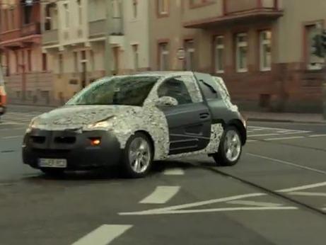 Voici le teaser de la version camouflée de l'Opel Adam