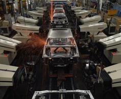 Midi Pile-  Bilan 2009 : 54 000 emplois en moins dans le secteur automobile français