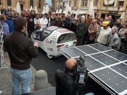 La voiture éolio-solaire ICARE a débuté son tour du monde !