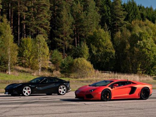 Lamborghini Aventador vs Ferrari F12 : qui est devant ?