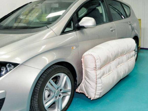 s curit routi re l 39 airbag s 39 installe sur la carrosserie. Black Bedroom Furniture Sets. Home Design Ideas