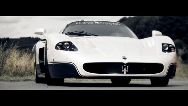 Vidéo : la Maserati MC12 tape le record du Ring