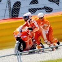 Moto GP: Casey Stoner entraîne-t-il Ducati dans ses chutes ?