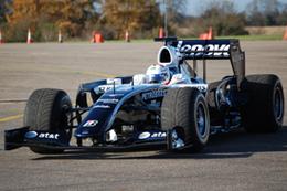 Formule 1 : voilà une F1 2009 ! OK, c'est moche mais ...