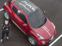 Le Nissan Juke établit un record du monde demi-tour au frein à main et à l'aveugle