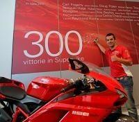 Superbike - Ducati: La 1198 et Carlos Checa sauvent l'honneur des rouges