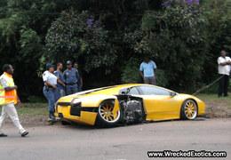 Surréaliste : un tueur à gages crashe sa Lamborghini Murcielago dans une Ferrari F430 pendant un mariage