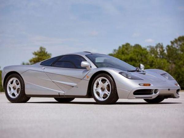 Tesla : le patron roulait avant en... McLaren F1