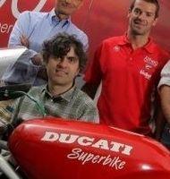Superbike - Ducati: Carlos Checa invite Valentino Rossi à tourner avec lui sur la 1198 pour retrouver le moral