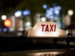 La mairie de Paris va subventionner les taxis pour l'achat de véhicules hybrides et électriques