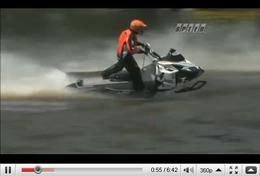 Réveil Auto - Et si on faisait de la moto neige sur un étang ?