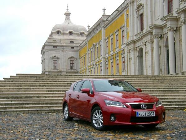 La Lexus CT200h restylée l'an prochain