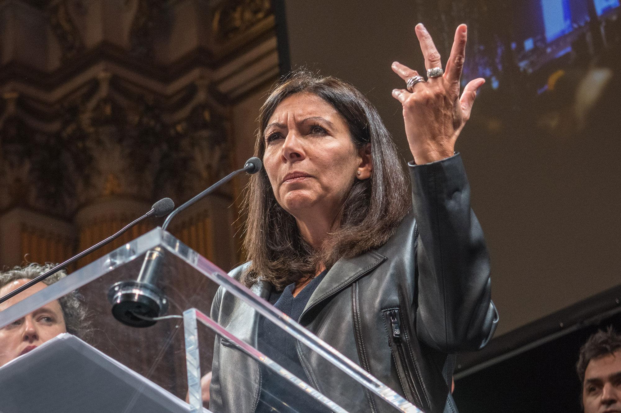 Anne Hidalgo Quot La Pollution De L Air A Baiss 233 De 30 224
