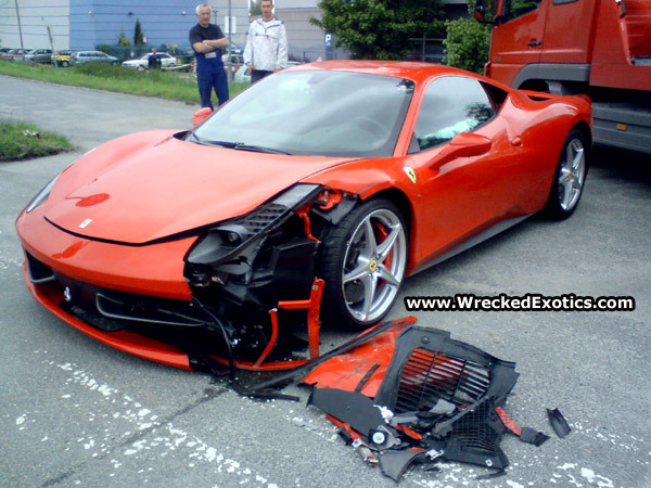 ferrari 458 italia son premier crash. Black Bedroom Furniture Sets. Home Design Ideas
