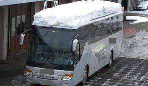 Le bus roulait avec 1,6 tonne de neige sur le toit