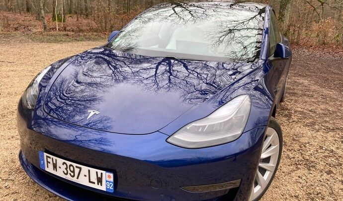 Tesla Model 3 Grande autonomie (2021): les premières images de l'essai en live