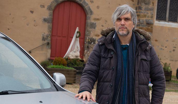 L'auto des voisins - Près de Fontainebleau, Fred joue de malchance en Dacia Duster