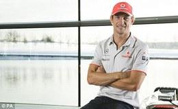 """F1 : Button : """"je n'aime pas voir Alonso heureux, ça veut dire que la Ferrari est rapide"""""""