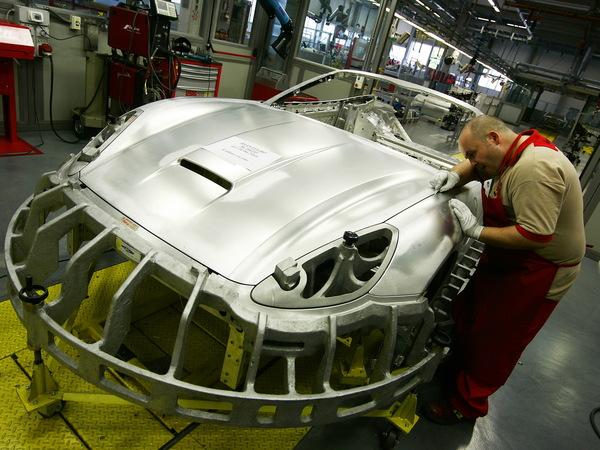 http://images.caradisiac.com/logos/4/6/4/5/164645/S7-Seismes-en-Italie-Ferrari-Maserati-Lamborghini-ont-ferme-leurs-usines-78815.jpg