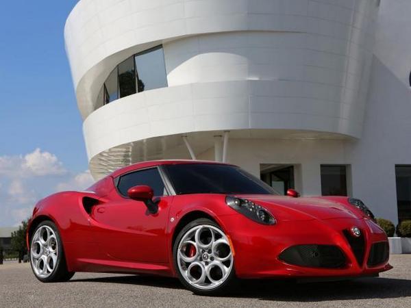 Rapid'news - Une Alfa Romeo 4C de 270 ch en préparation, une nouvelle VW UP! en 2017...