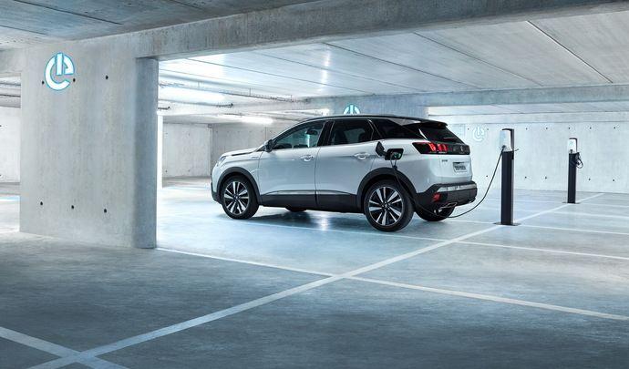 Peugeot 3008 Hybrid et Hybrid4 (2019) : à partir de 43800€