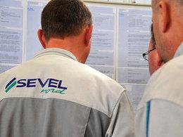PSA demande des efforts aux salariés pour sauver le site de Sevelnord