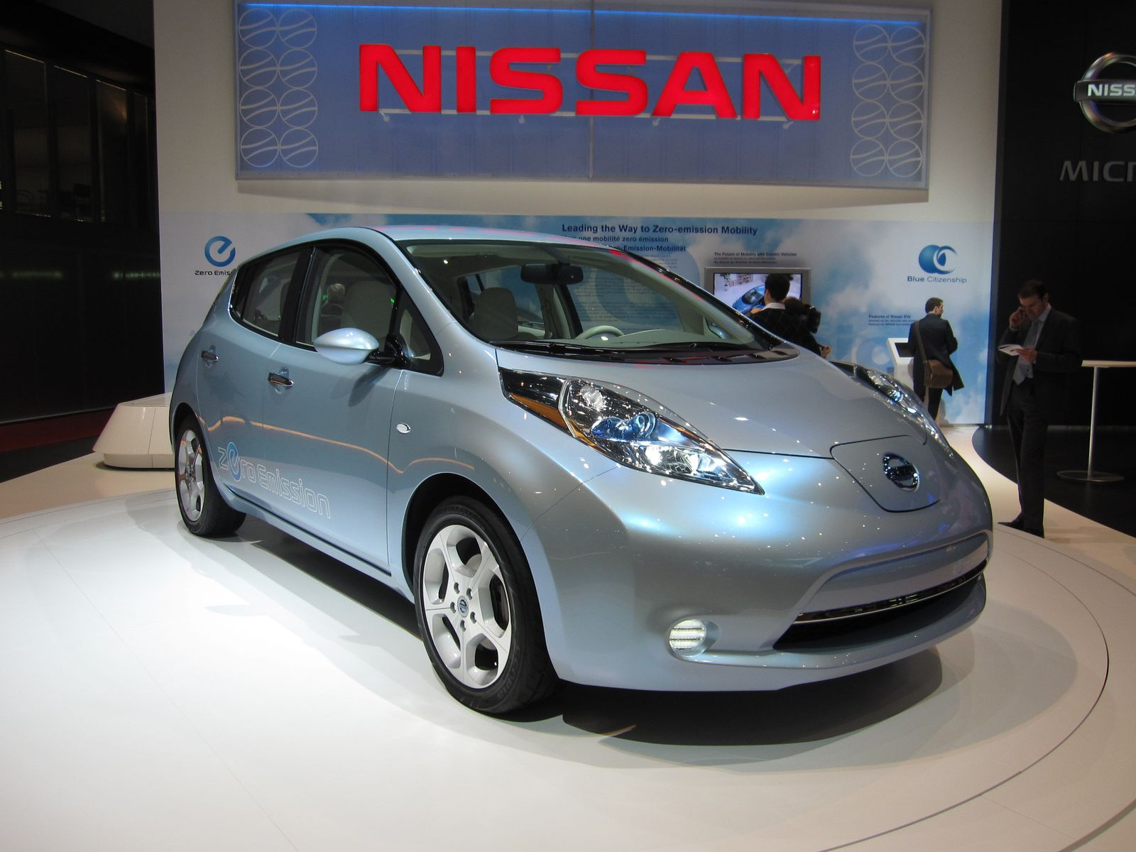 la nissan leaf lectrique conna t le succ s commercial. Black Bedroom Furniture Sets. Home Design Ideas
