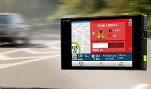 Blocage des signalements descontrôles routiers sur Waze ou Coyote: c'est pour bientôt