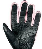 Pour les mains des filles: le gant Chaft Forgive.