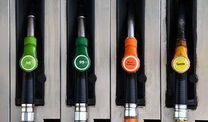Les prix des carburants dégringolent