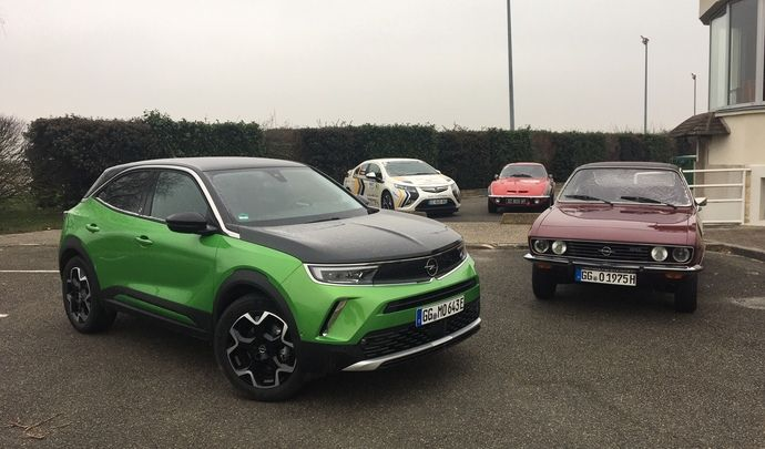 Opel Mokka e (2021) : les premières images de l'essai en live + premières impressions de conduite