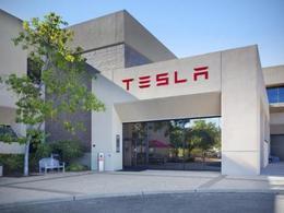 Electrique: Tesla prépare une nouvelle batterie mais pour la maison !