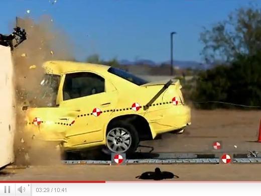 Un crash-test à 160 km/h, ça donne quoi ?