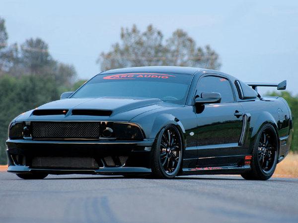 Mustang Saleen dark side ou le retour de Mad Max
