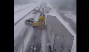 Strike : un camion emporte tout sur son passage