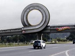 Faites des loopings sur l'autoroute avec Hot Wheels