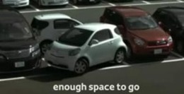 Vidéo Pub : stationner en Toyota IQ
