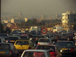Les véhicules les plus polluants interdits de circulation dans huit villes de France dès l'an prochain